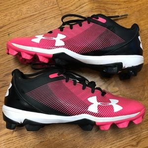 Girls Under Armour Size 6Y Girls softball cleats